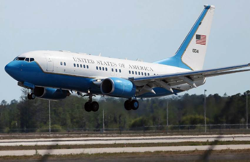 Air Force Two carrying Vice President Mike Pence forced to make emergency landing