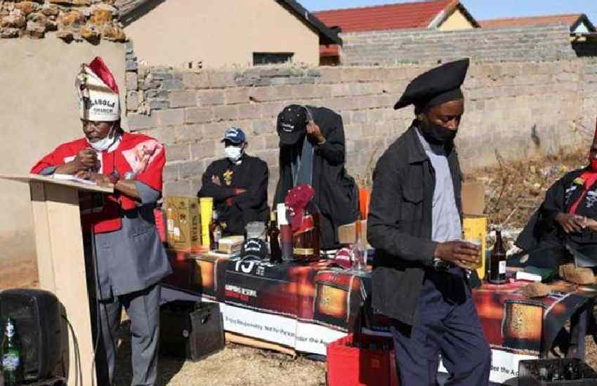 Alcohol: How South Africa's drinking church struggled with COVID lockdown
