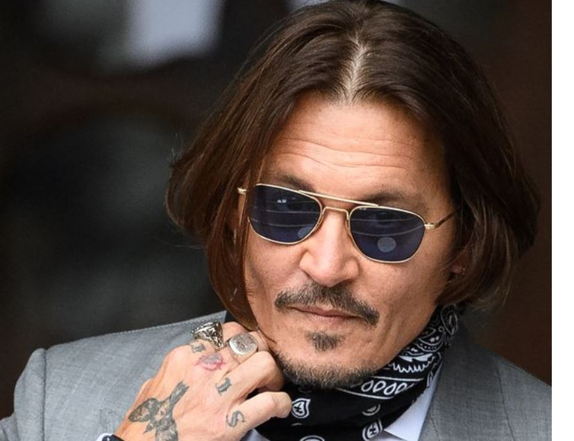 Johnny Depp fans petitioning for return to Fantastic Beasts get 130,000 signatures
