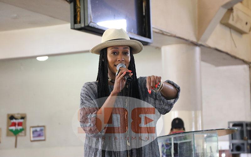 Keri Hilson adressing students of Kenya High Schoo