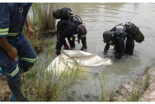 Pastor drowns while trying to baptize members