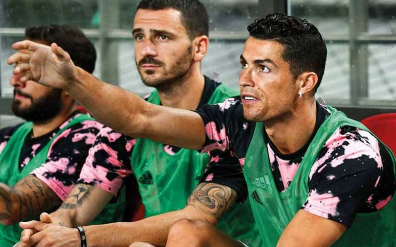 Cristiano Ronaldo's 90 minute on the bench causes uproar