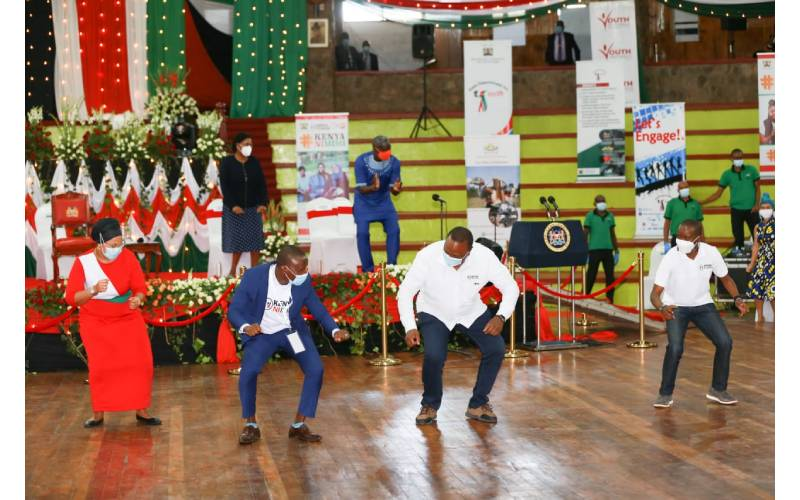 Uhuru Kenyatta dances to Diamond's song as local artist continue to complain against MCSK
