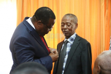 Nairobi waiter receives Head of State Commendation for his long dedicated service